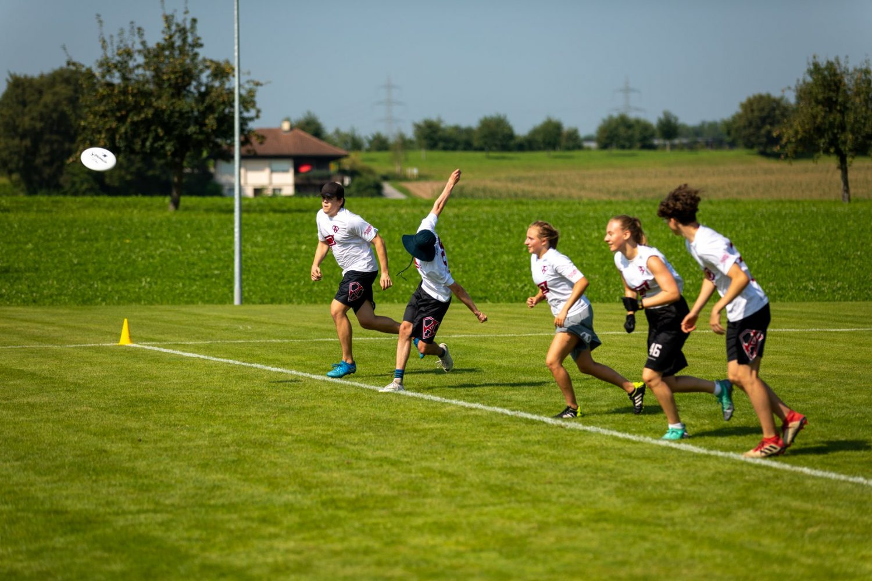 Junior*innen Schweizermeisterschaft Halle / Rasen
